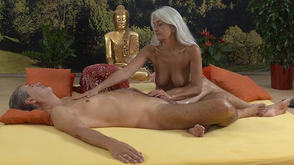 Nackt Bei Der Massage
